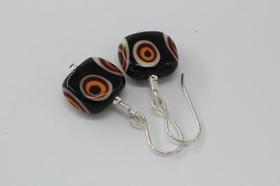 Flat tab earrings - Funky dots brown/orange