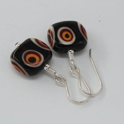 Flat tab earrings - Funky dots brown/orange