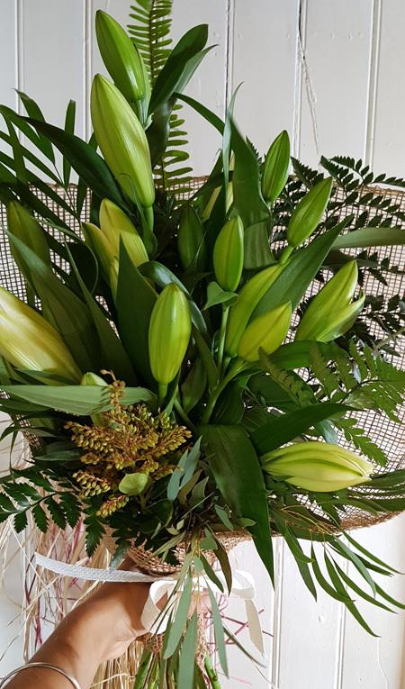 Flax Wrap Lilies WHITE