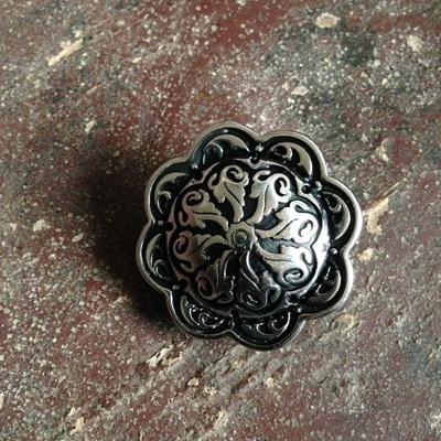 Floral Pedestal Button
