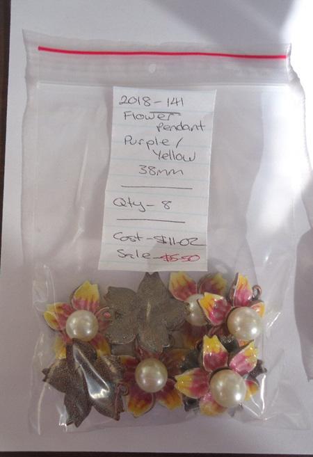 Flower Pendants - Purple / Yellow