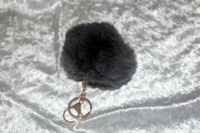 Fluffy Keyring (large) - Grey