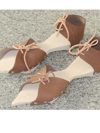 Foot Accessory 1 - Wooden Pattens