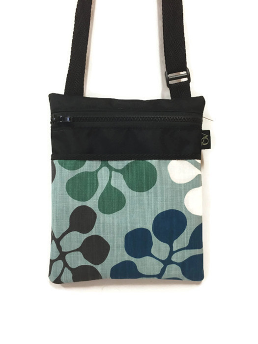 Free shipping to NZ and Australia for this gorgeous bag