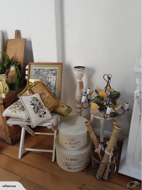 French Vintage Tole Chandelier Villarosa