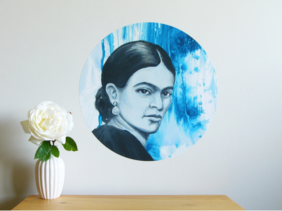 Frida Kahlo medium dot wall decal