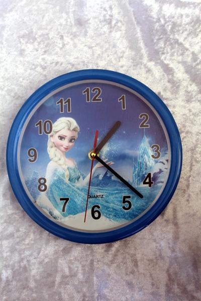 Frozen Clock - Blue