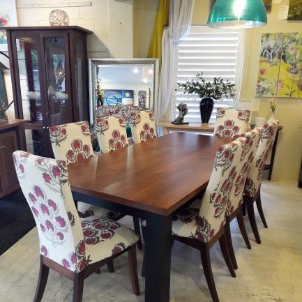 Gamekeeper Dining Table - Black Contrasting Frame