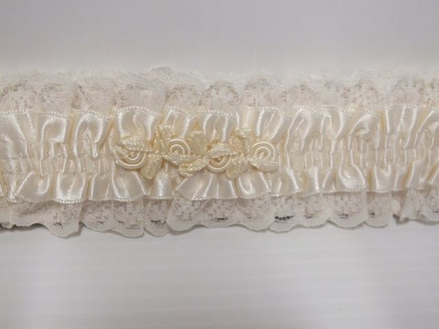 garter#bridal#wedding#weddingday#bride#cream