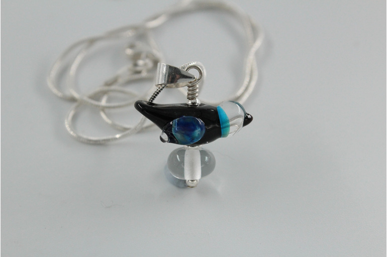 Glass bird pendant - Black and blue