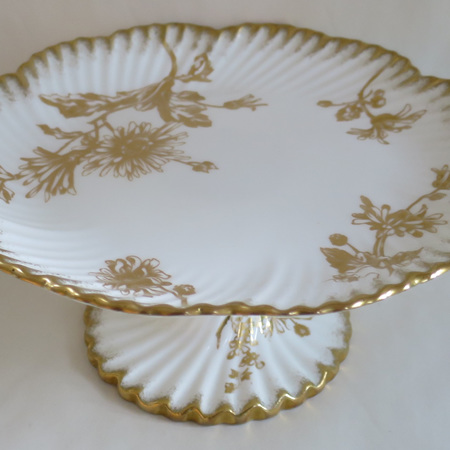 Gold and white tazza