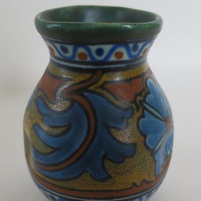 Gouda pottery deep rich tones