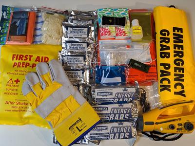 Grab 'n' Carry Survival Pack