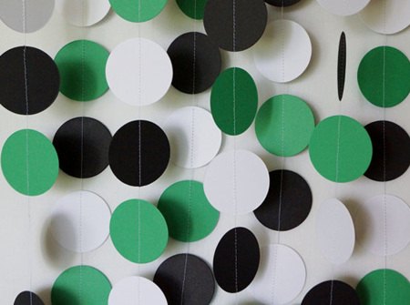 Green, black and white paper garland - 3m