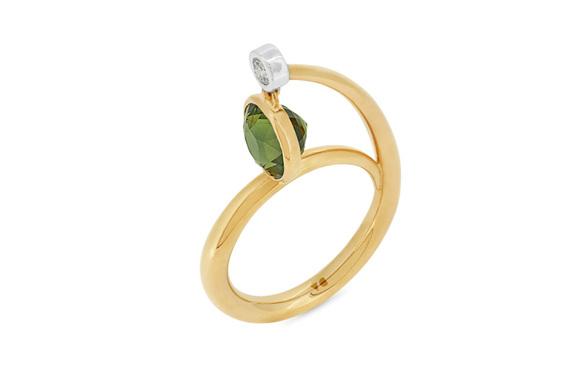 Green Sapphire Diamond Ring
