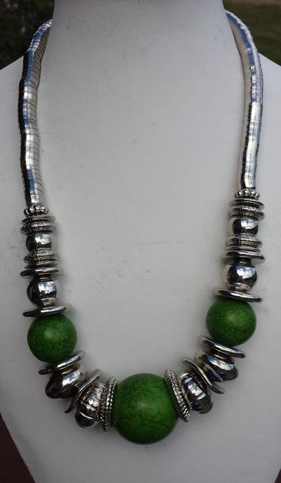 Green tibetan necklace
