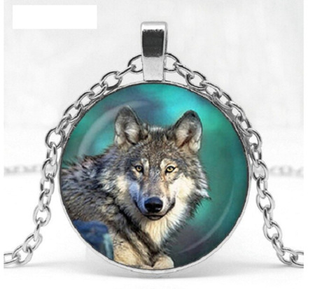 GREEN WOLF HOWLING PENDANT NECKLACE - Silver Chain