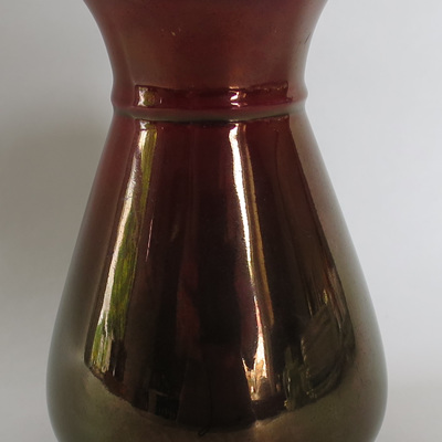 Small 'rouge' lustre vase