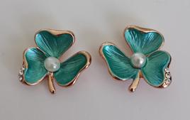 Grn Flower earrings
