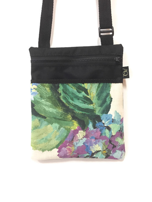 Handbag with designer hydrangea fabric