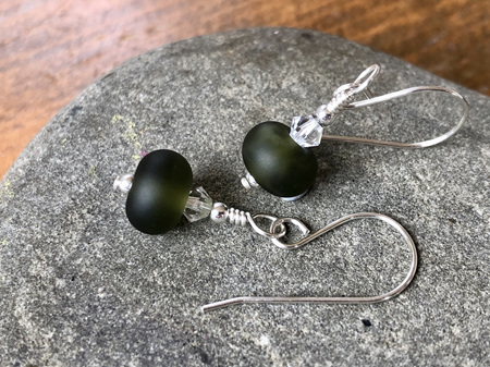 Handmade glass earrings - Simple drop - Upcycled wine