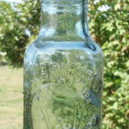 Hayward Bros pickles jar