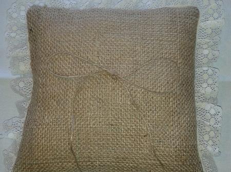 Hessian ring pillow