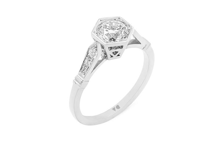 Hexagonal setting, deco shoulders, diamond solitaire in 18ct white gold and plat