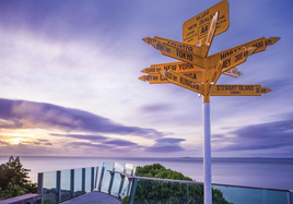 Holdson's 100 Piece Jigsaw Puzzle: Stirling Point Bluff