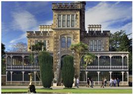 Holdson Explore NZ 100 Piece Jigsaw Puzzle: Larnach Castle