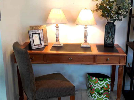 Holdsworth Study Desk
