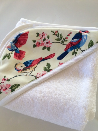 Hooded Towel - Cream Swallow