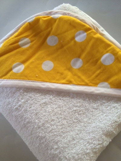 Hooded Towel - Yellow Spot