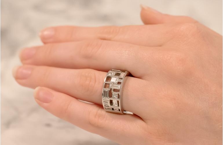 Hopscotch Modern Diamond Ring