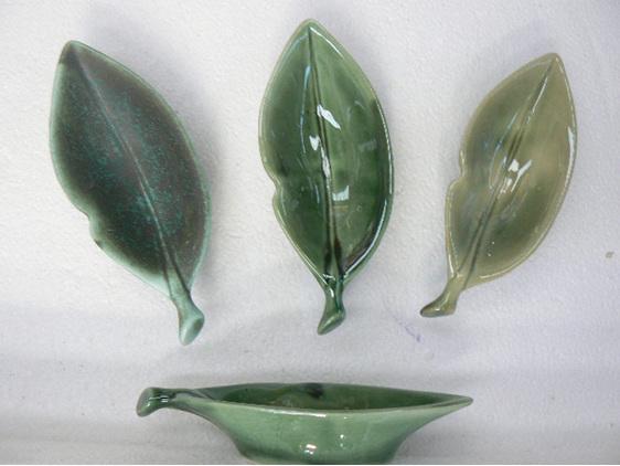 Horopito leaf dip bowl, NZ collectable, ceramics
