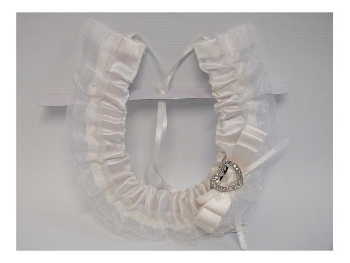 #Horseshoe#white#bride#bridal#wedding