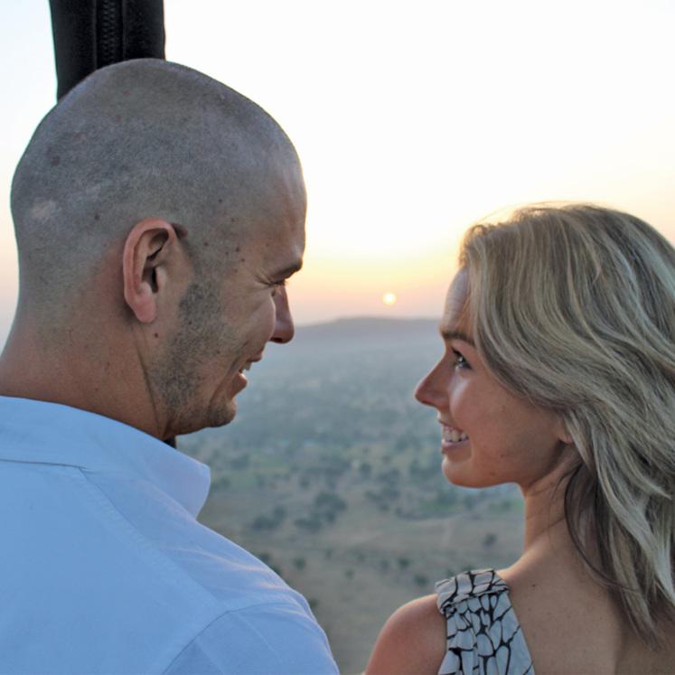 hot air balloon engagement proposal romantic travel India