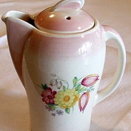Hot water jug kestrel shape