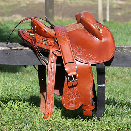 "HP Swinging Fender Saddle 14"" Medium tree"