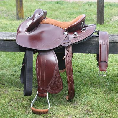 HP Swinging Fender Saddle: Medium Skirt with basketweave tooling