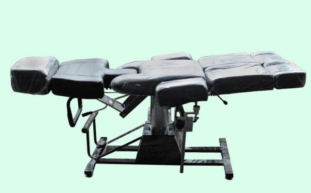Hydraulic Massage Bed : Hydraulic massage tattoo bed black colour