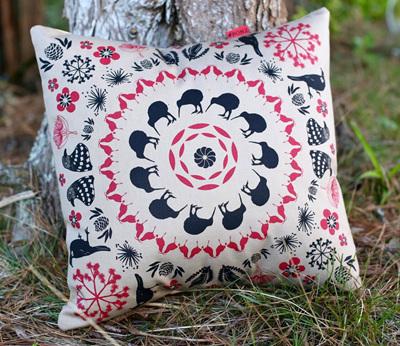 Iconic New Zealand Pattern on Dusk coloured fabric.