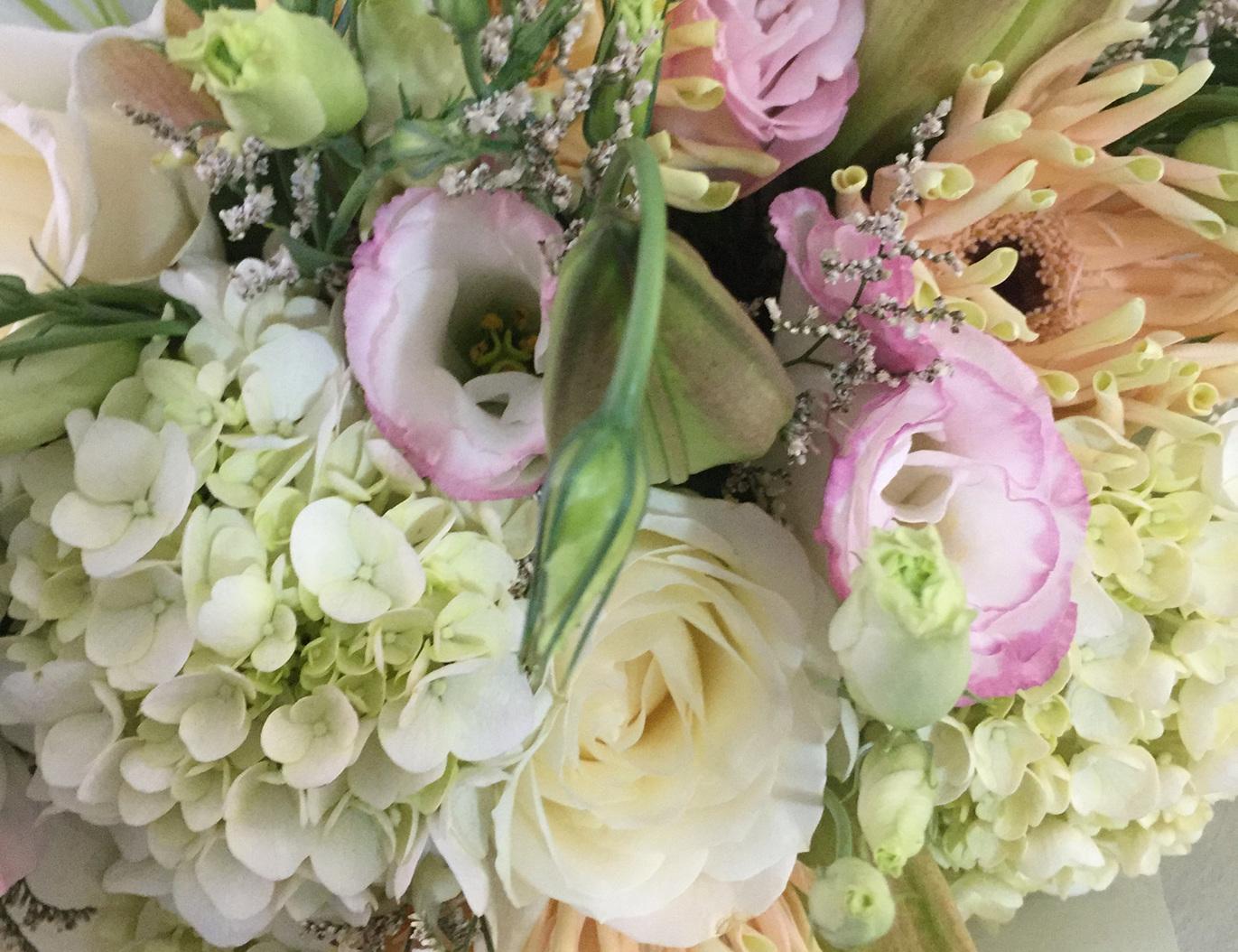 Quality flowers designed Professional Florists
