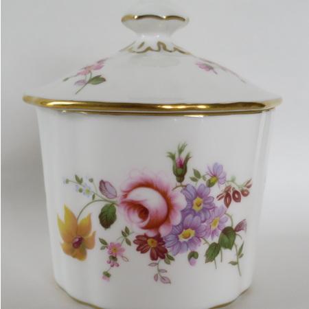 Jam pot with lid