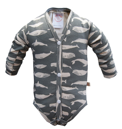 'Jamie' Onesie with Fold-Over Mittens, GOTS 'Kujira, Gray', 0-3m