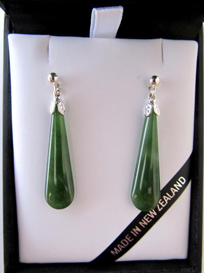 JE201S Drop-shaped greenstone earrings set in silver.