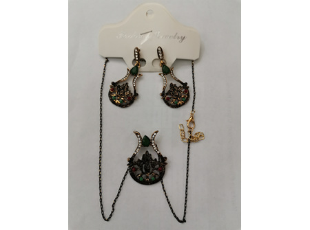 Jewelry Sparkling Earrings and Necklace Set For Women