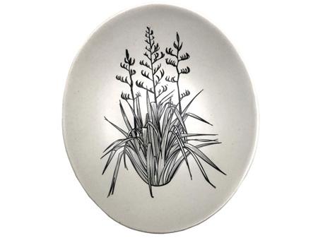 Jo Luping Black Harakeke on White 10cm Bowl