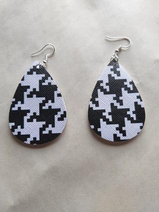 """KAREN"" Black & White Geometric Teardrop Earrings"