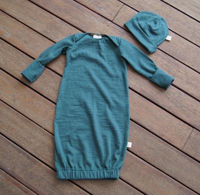 'Keegan' Sleepsack in 100% Merino 'Petral', with fold-over mittens, 3-6m